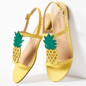 Talbot's Bright Yellow Keri Pineapple🍍 Sandals